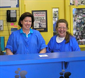 Smiling and attentive front desk personnel in Richmond, VA